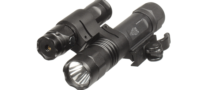 UTG LED Flashlight / Green Laser Combo